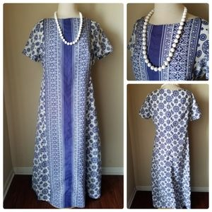 Dresses & Skirts - Vintage Blue Printed Tunic Dress Maxi & necklace